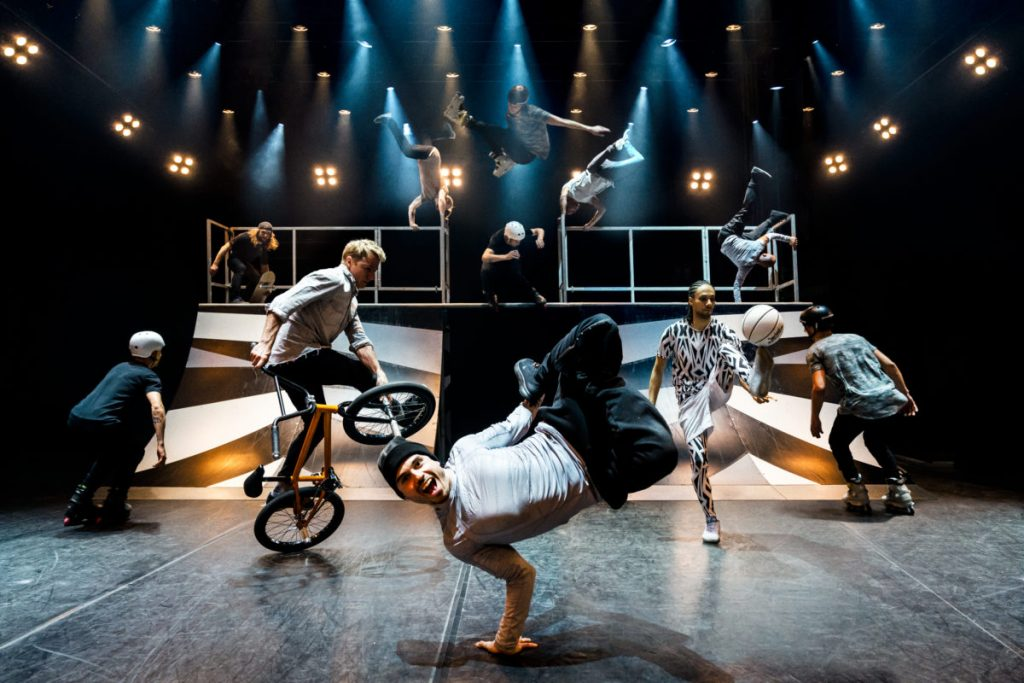 Elements of Freestyle Theatre Tour